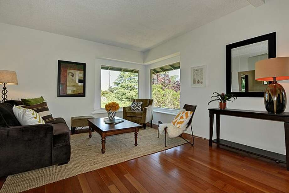 Living room of 307 W. Blaine St. It's listed for $595,000. Photo: Courtesy Randie Nelson, Windermere Real Estate