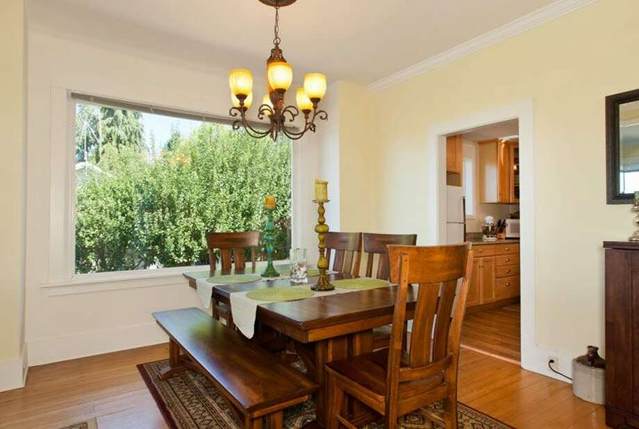 Dining room of 109 Newell St. It's listed for $595,000. Photo: Courtesy Ellen Gillette, Windermere Real Estate