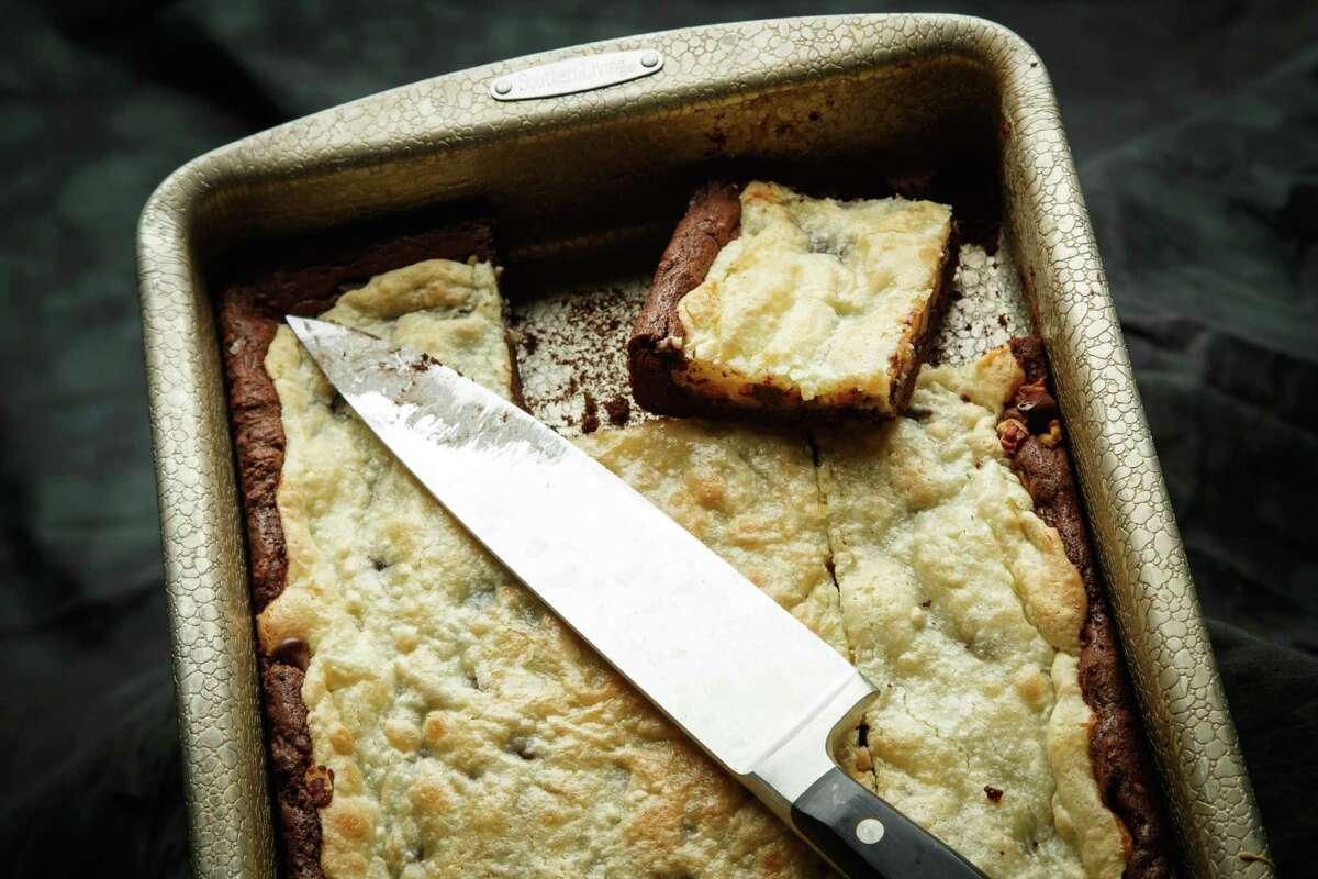 K2K. Kitchen to Kitchen. Easy $1.75 cake, photographed in the Houston Chronicle Photo Studio, Thursday, Aug. 1, 2013, in Houston. ( Michael Paulsen / Houston Chronicle )
