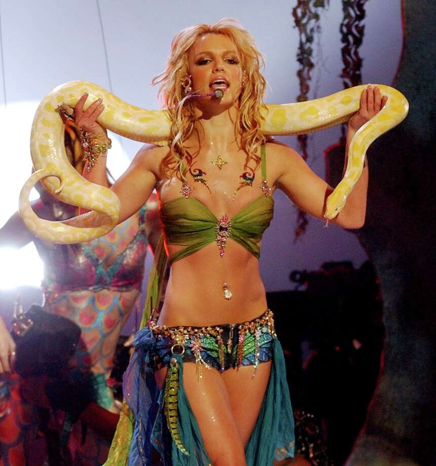 2001: Britney Spears performs with a friend. Photo: KMazur, WireImage / WireImage