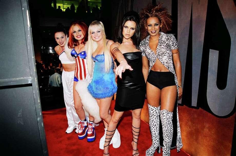 1997: Victoria Beckham, Mel C, Emma Bunton, Geri Halliwell and Mel B from The Spice Girls. Photo: Jeff Kravitz, FilmMagic / FilmMagic, Inc