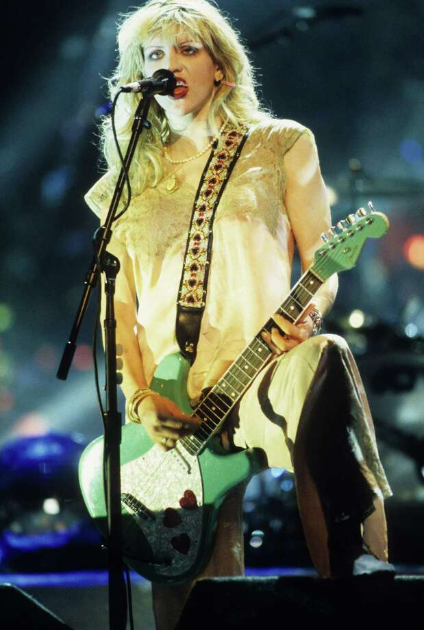 1995: Courtney Love performs. Photo: Kevin.Mazur, WireImage / WireImage