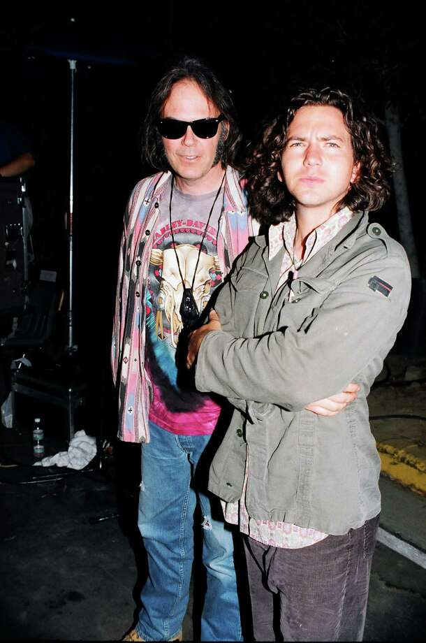 1993: Neil Young and Eddie Vedder of Pearl Jam. Photo: Jeff Kravitz, FilmMagic / FilmMagic, Inc