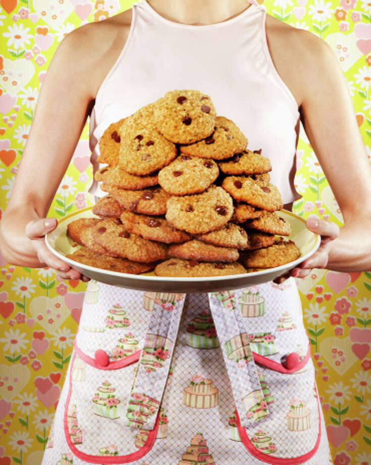 5.Good desserts include a small handful of dark chocolate chips or a homemade cookie. Photo: Brian Klutch, Getty Images / (c) Brian Klutch
