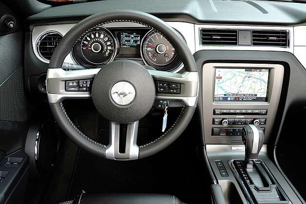 2014 ford mustang v6 convertible 2014 ford mustang v 6 mustang v6 2014 interior