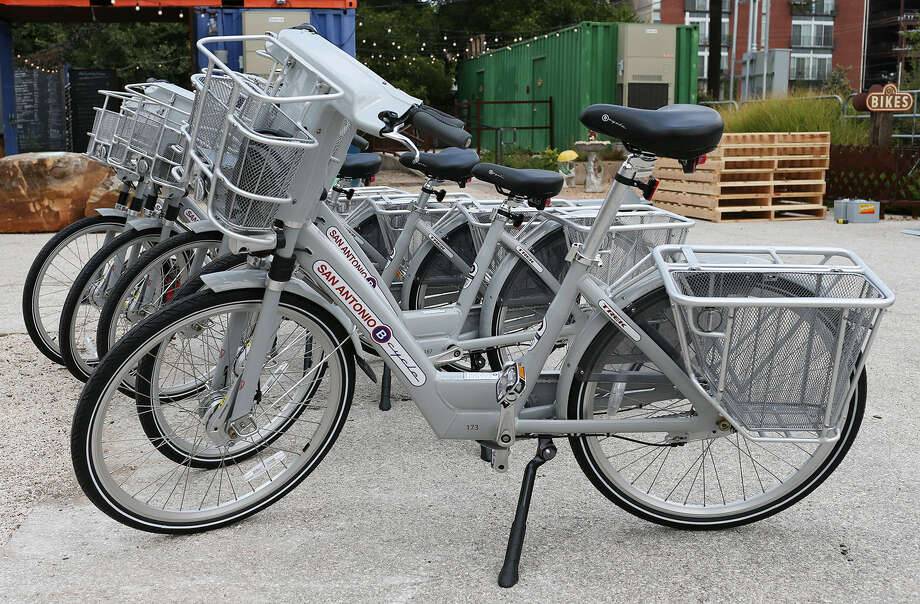 The San Antonio B-cycle program is expanding to 52 stations and 420 bikes. Photo: San Antonio Express-News