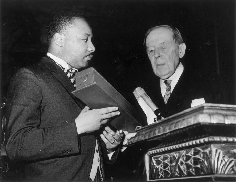 Civil rights leader Martin Luther King Jr. receives the Nobel Prize for Peace from Gunnar Jahn, president of the Nobel Prize Committee, in Oslo. Photo: Keystone, Getty Images / Hulton Archive