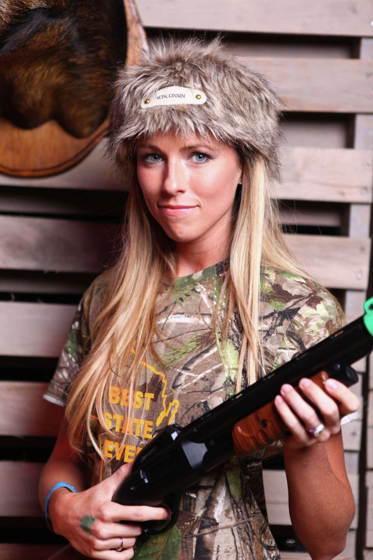 Big Buck Hunter video game 2011 and 2012 Ladies World Champion Sara Erlandson is prepared to defend her title at Stats Sports Bar.
