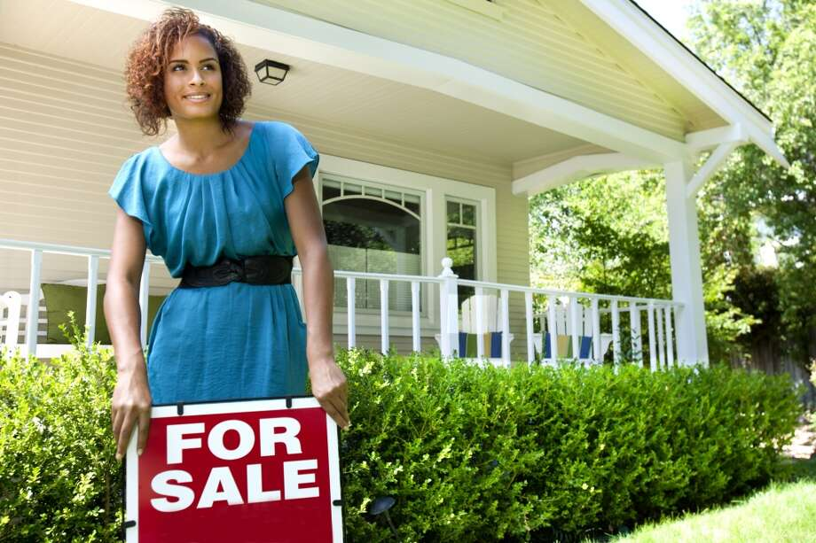 17 - Real estate agentThis position earns an average of $55 an hour. Photo: Getty Images