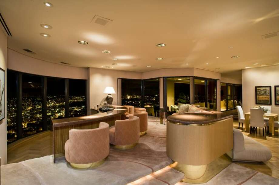 Bar of 1301 Spring St., unit 3200. It's listed for $4.7 million. Photo: Courtesy Catherine Adams, Windermere Real Estate