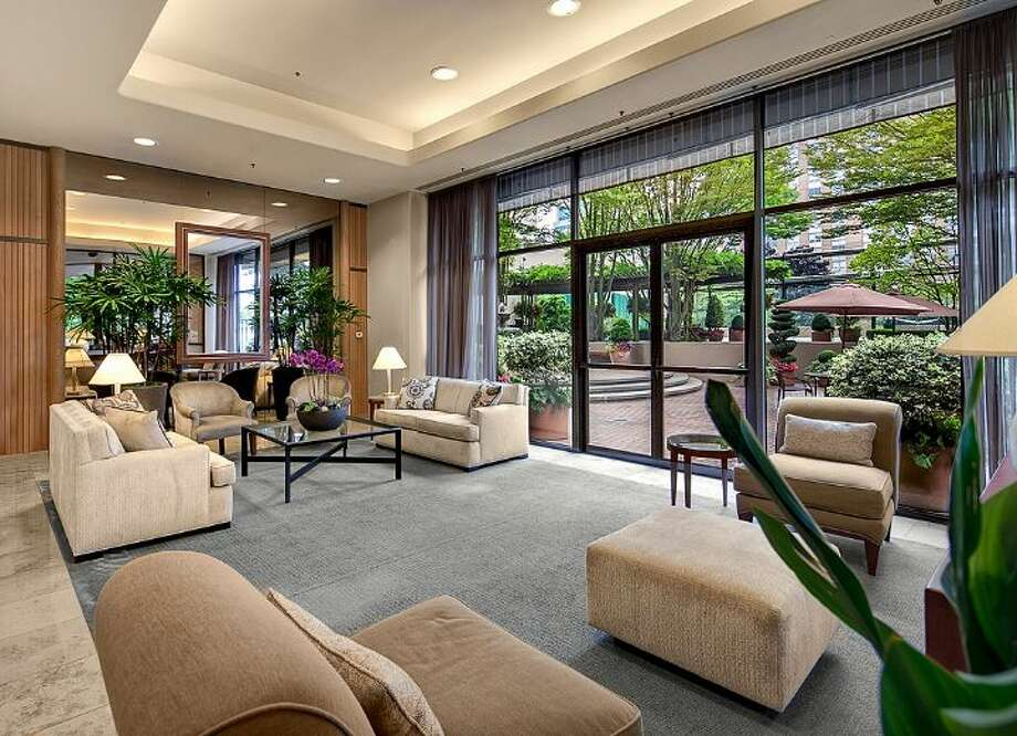 Lobby of First Hill Plaza, at 1301 Spring St. Photo: Courtesy Catherine Adams, Windermere Real Estate