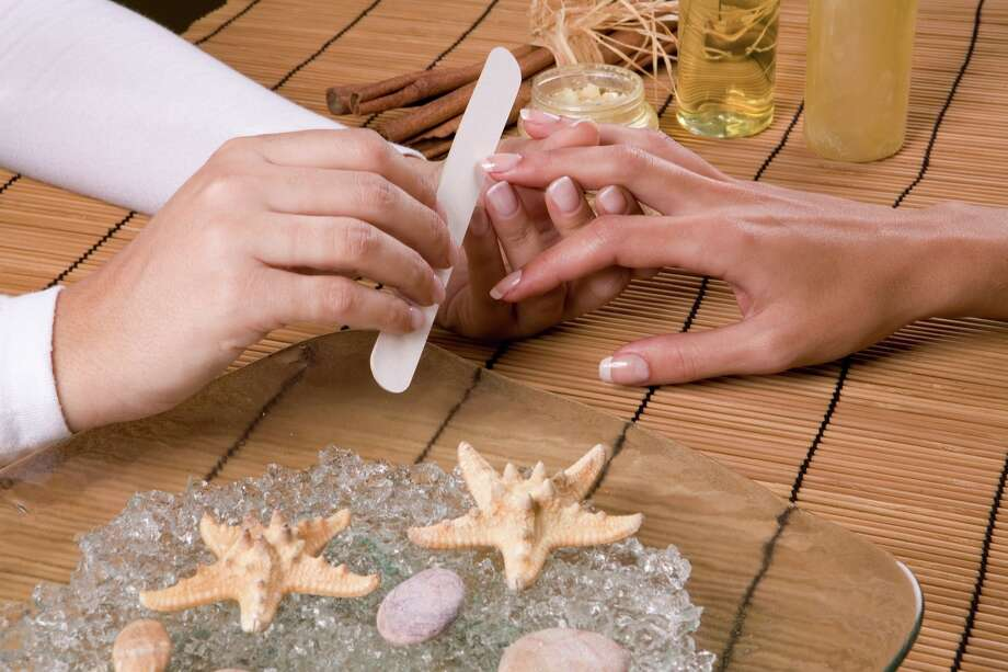 Fingernail cuttings should be saved, burned, or buried. Photo: Prebranac, Sandra Gligorijevic - Fotolia / 7639959