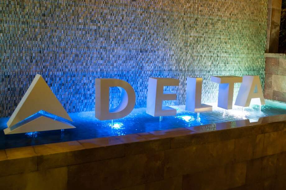 10 least-respected brands of 2013 1. Delta Photo: Gabriel Olsen, Getty Images