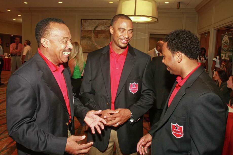 Houston Texans Ambassadors Jerry LeVias, from left, Eric Brown and J.J. Moses at the 2010 Season Kick-off Luncheon benefiting the Houston Texans Foundation. Photo: Gary Fountain, For The Chronicle / Freelance