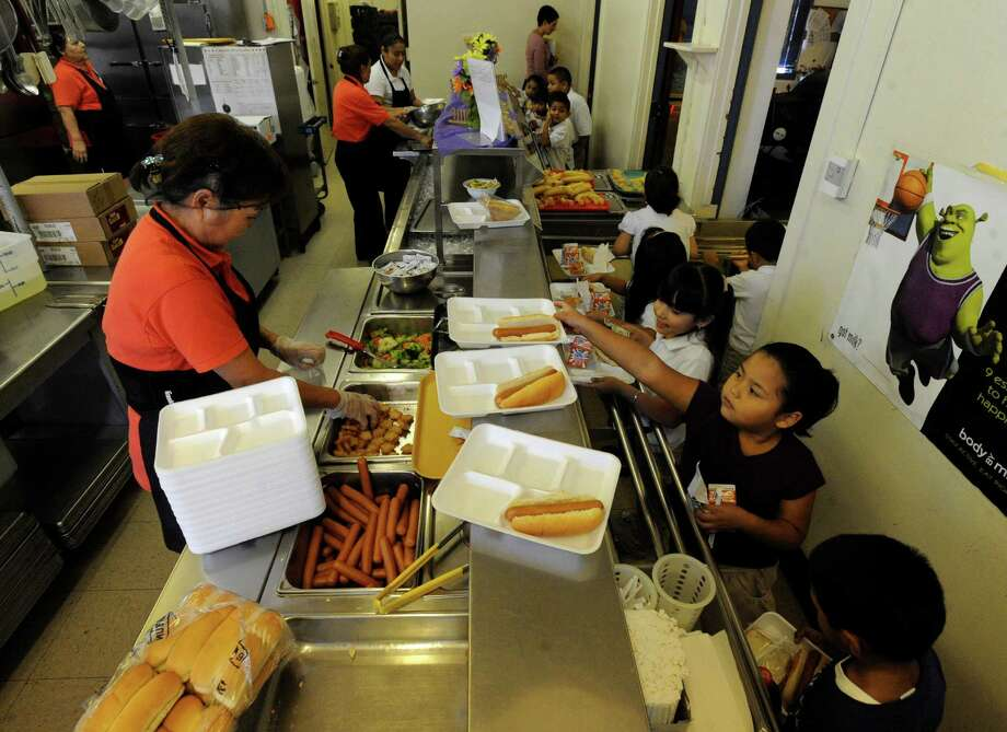 Make plans for your child to do lunch. Check with your child's district to see what meal options are available, and what's on the menu. If you're brown bagging it, here are 10 lunchbox tips.
