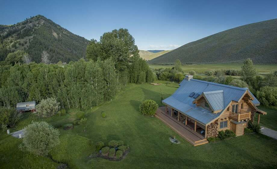 Aerial view. All photos via  Hall and Hall. http://hallhall.com/ranches-for-sale/properties/pioneer-moon-ranch