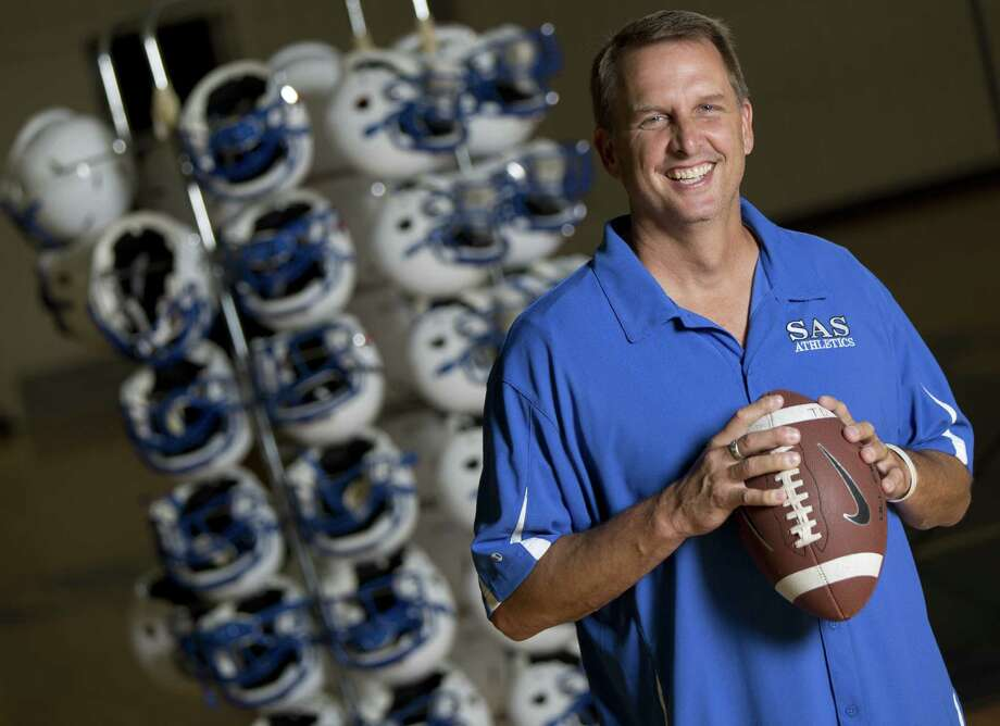 Austin St. Andrew's head coach Ty Detmer learned that there was more to life than football in the year after the Southwest grad won the Heisman in 1990. Photo: William Luther / San Antonio Express-News