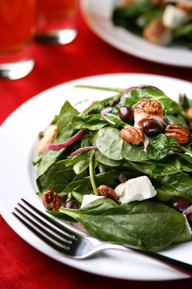 4. SpinachLoaded with antioxidants and B complex vitamins. Photo: LIZ O. BAYLEN, TPN