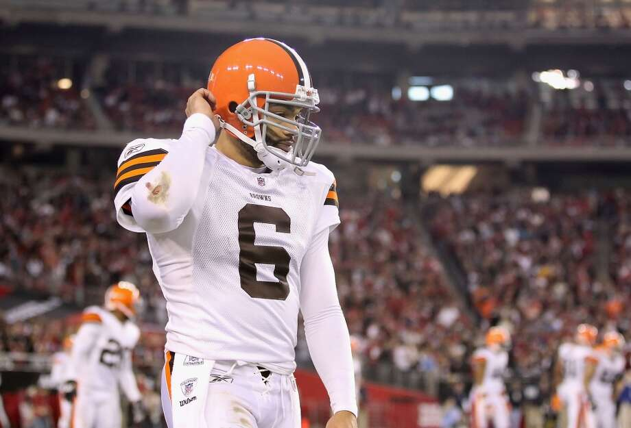 Quarterback Seneca Wallace of the Cleveland Browns walks off the field during the NFL game against the Arizona Cardinals at the University of Phoenix Stadium on December 18, 2011 in Glendale, Arizona. Photo: Christian Petersen, Getty Images
