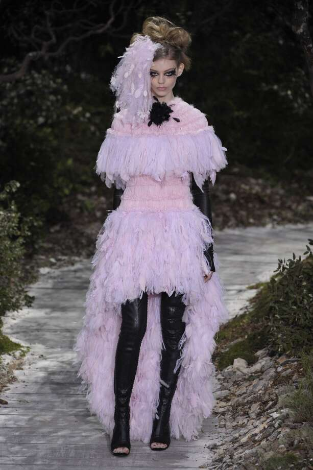 Goth baby doll feathers Photo: Antonio De Moraes Barros Filho, WireImage