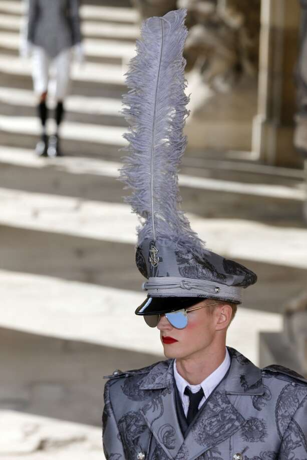 Glam military boyfriend feathers Photo: FRANCOIS GUILLOT, AFP/Getty Images