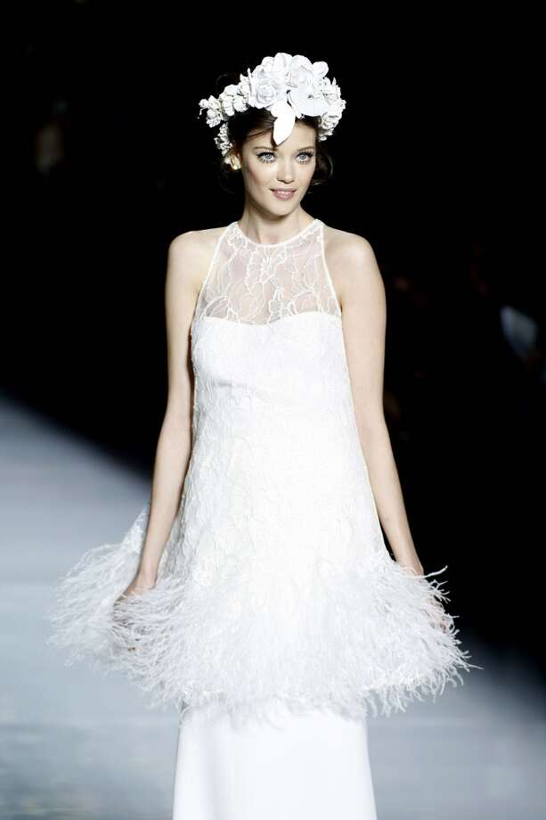 Bridal feathers Photo: Miquel Benitez, WireImage