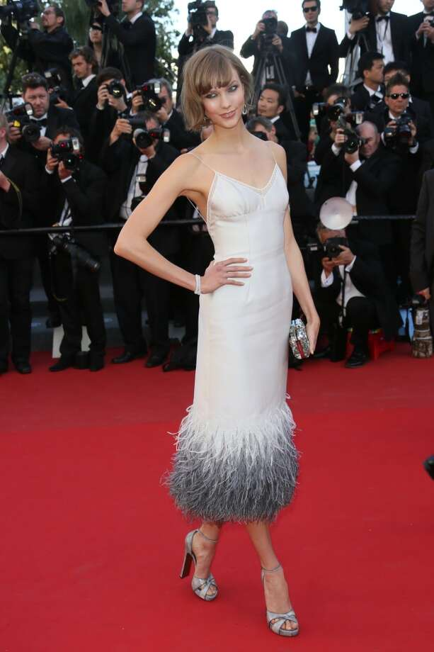 Ombre feathers (Karlie Kloss) Photo: Tony Barson, FilmMagic