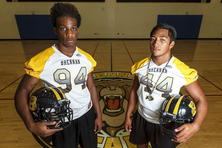 Brennan defensive end Derick Roberson, a Texas commit, and linebacker Grant Watanabe, who has committed to Colorado, have eyes on state after leading the Bears to the quarterfinals and a 13-1 record last year. Photo: Marvin Pfeiffer/ San Antonio Express-News