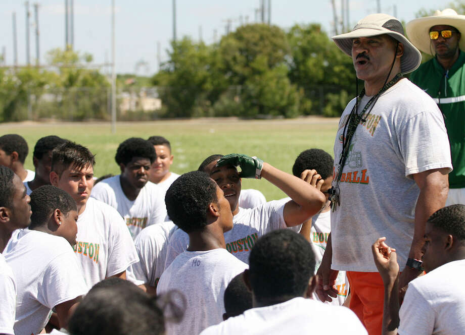 Sam Houston coach Gary Green is hoping his Hurricanes can rebound from an 0-10 season in 2012. He played 17 sophomores and four freshmen last year. Photo: Cynthia Esparza / For San Antonio Express-News