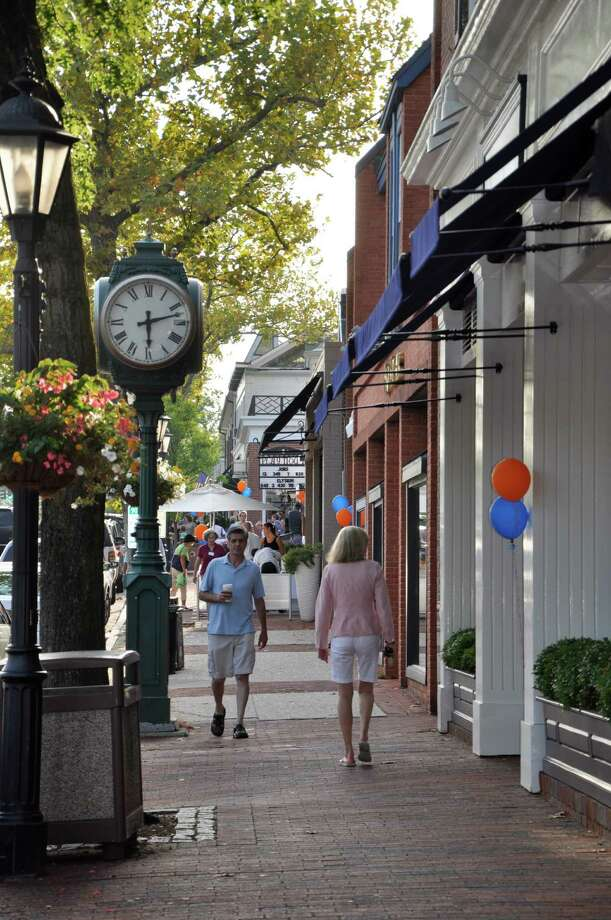 Were you SEEN at New Canaan's Taste of the Town Stroll? Photo: Valerie Stryker / Hearst Connecticut Media Group