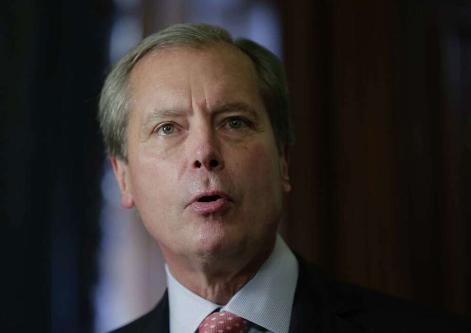 "Lt. Gov. David Dewhurst phoned police in Allen in an attempt ""to post bail for his niece."""