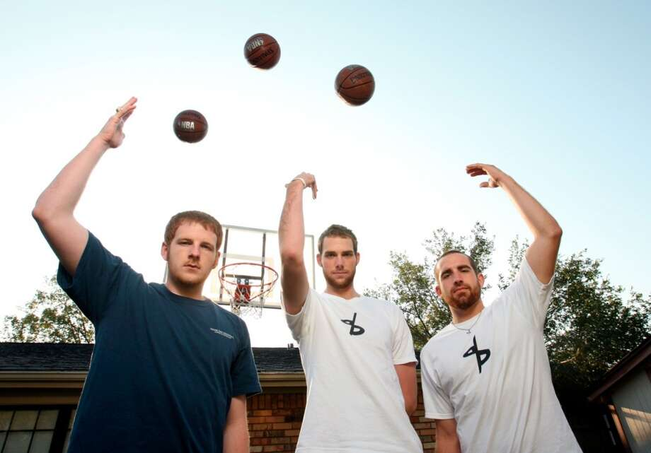 The Dude Perfect crew scores again.
