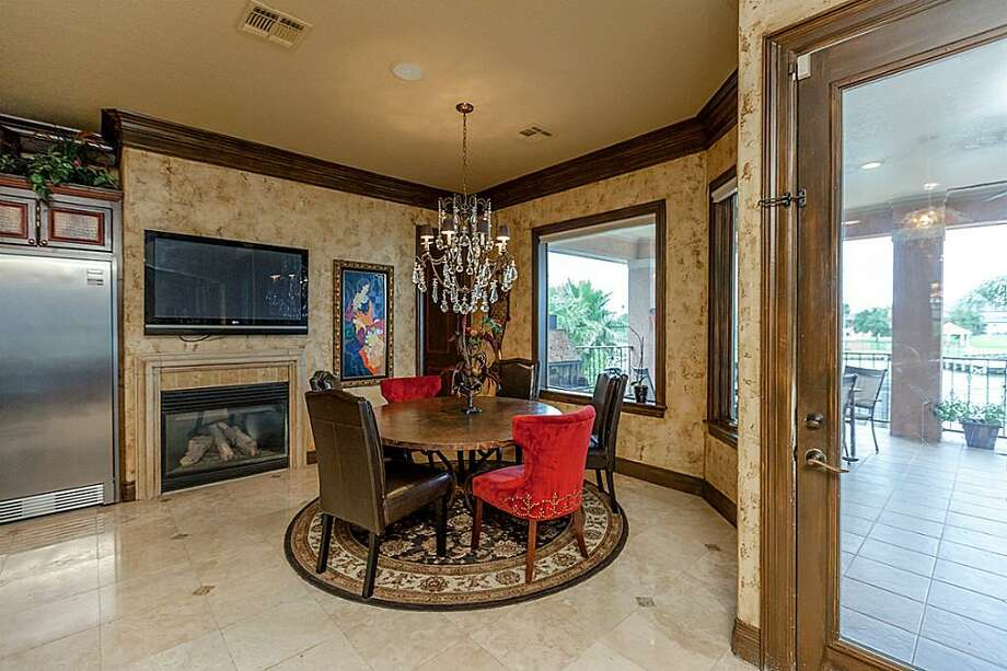 Listing agent:Phyllis FosterSee thelisting here.