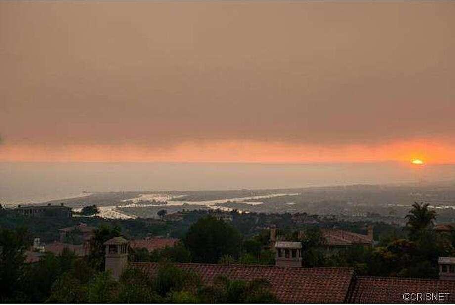 Typically hazy So-Cal coastal view. Photos via Jordan Cohen/Re/Max