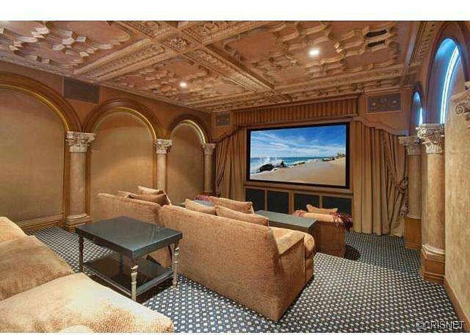 Theater for awesome sports spectating. Photos via Jordan Cohen/Re/Max
