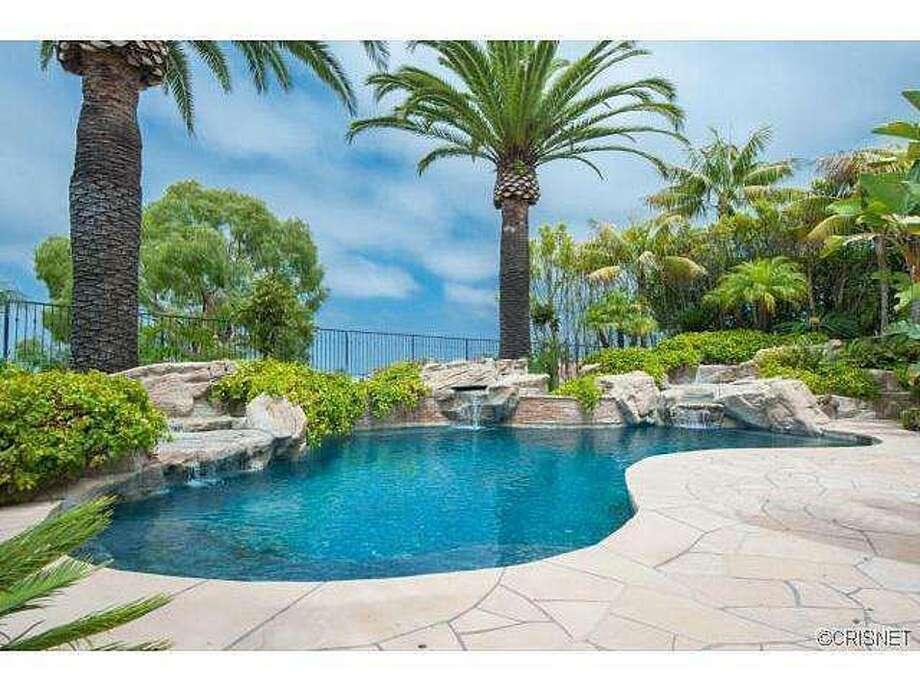 Lovely pool area. Photos via Jordan Cohen/Re/Max