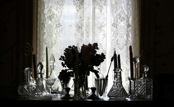 Victorian Lace Curtains to Offer Your Home Better Interiors