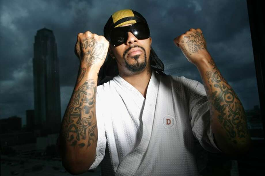 Wesley Eric Weston Jr., better-known freestyle rapper Lil Flip, poses for photos at the Hotel Derek on Friday, March 23, 2006 in Houston, TX. Lil Flip was one of the biggest rappers in Houston to break after the Geto Boys. Photo: Mayra Beltran, Mayra Beltran / Houston Chronicle