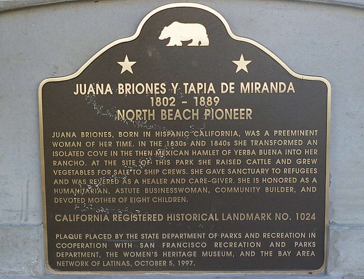 PERSONALS1/C/27OCT97/CD/EL Monument Juana Briones monument in Washington Square Park. Photo by Eric Luse