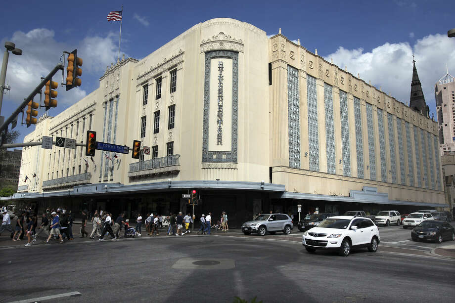 Rivercenter mall owners plan to redevelop the old Joske's Department Store building, most recently occupied by Dillard's, and the walkway adjacent to it next to the Menger Hotel. Photo: Express-News File Photo