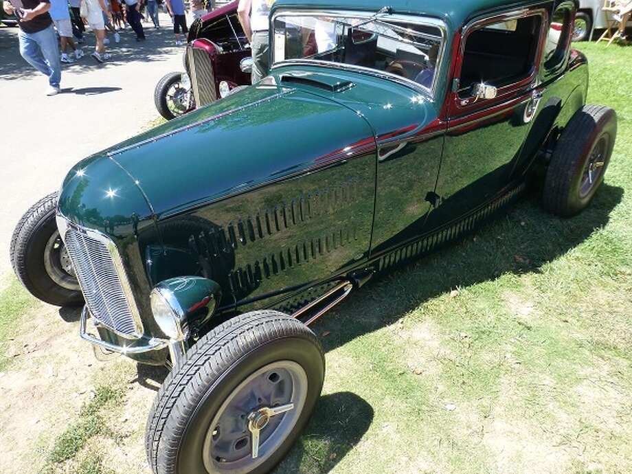 1932 Ford. Owner: George Poteet, Memphis, Tenn.