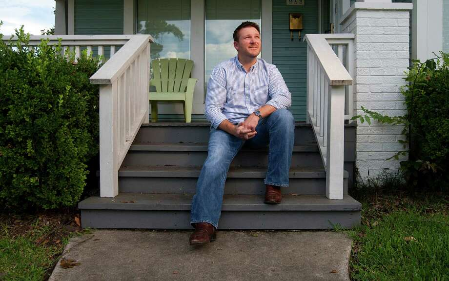 At his Heights home, Ret. Marine Corps Sgt. John Boerstler said he thinks the American Legion is an archaic organization. Photo: Johnny Hanson, Staff / © 2013  Houston Chronicle