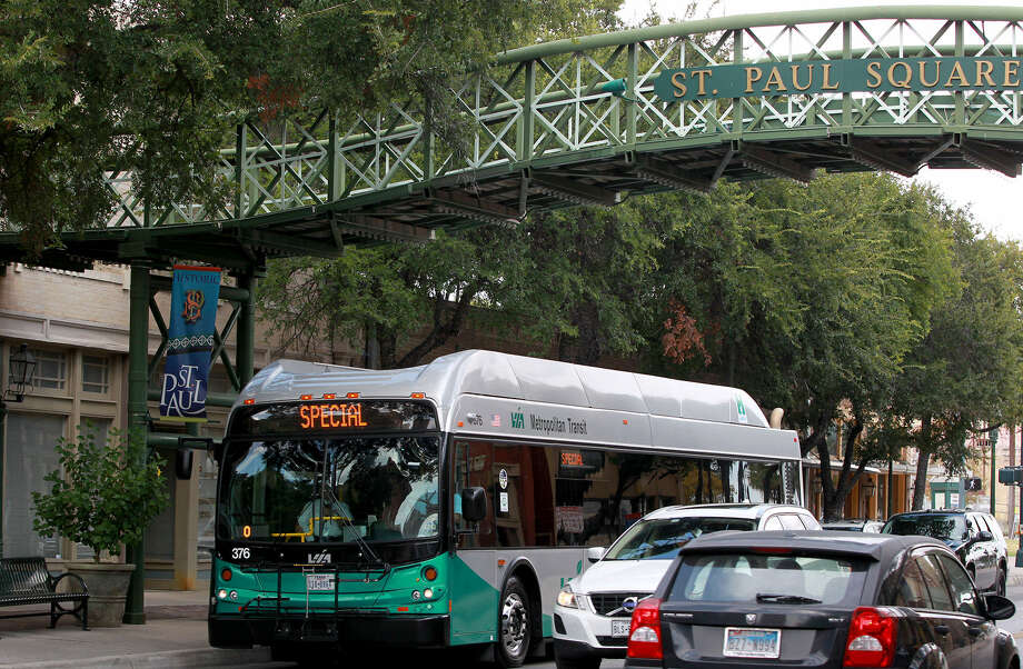 A VIA Metropolitan Transit bus takes board trustees on a tour of potential routes for the city's proposed streetcar system. The trustees who took the tour Friday are Steve P. Allison, Mary Briseño, Richard Gambitta, Gerald W. Lee and Bill Martin. Photo: Photos By John Davenport / San Antonio Express-News