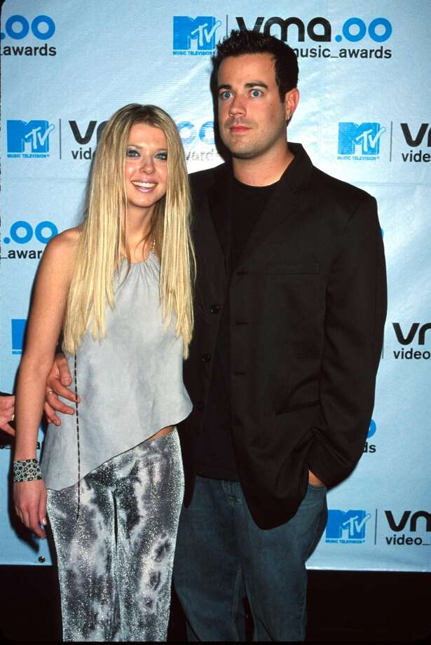 Once upon a time, MTV VJ Carson Daly and Tara Reid were a thing. Here they are the 2000 MTV Video Music Awards. Photo: Robin Platzer/Twin Images, Getty Images