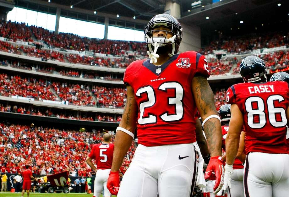 23  Arian Foster, RB, 2010-present  Others to wear No. 23: Dunta Robinson, CB, 2004-2009 Kevin Williams, FS, 2002 Photo: Nick De La Torre, Houston Chronicle