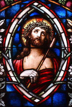 Jesus wearing the crown of thorns in the Sacred Heart Conventual Chapel at Our Lady of the Lake Convent Center. The chapel was built in 1923 and restored in 1996. JOHN DAVENPORT / STAFF Photo: JOHN DAVENPORT, San Antonio Express-News / SAN ANTONIO EXPRESS-NEWS