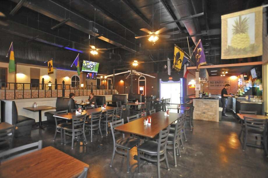 French Quarter Bar & Grill in Vidor is Aug. 22 restaurant of the week.  This is the main dining room area. Dave Ryan/The Enterprise Photo: Dave Ryan/The Enterprise