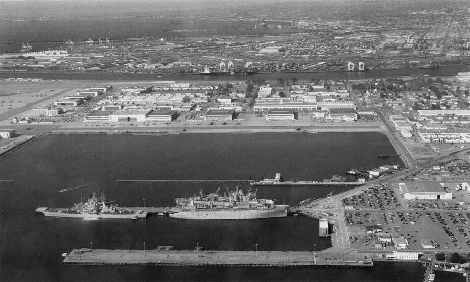 Aerial view of Alameda Naval Air Station, March 11, 1993 Photo: Chris Stewart, The Chronicle