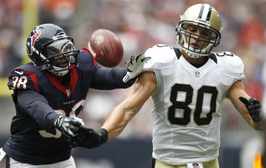 Texans free safety Danieal Manning breaks up a pass intended for Saints tight end Jimmy Graham. Photo: Brett Coomer, Houston Chronicle