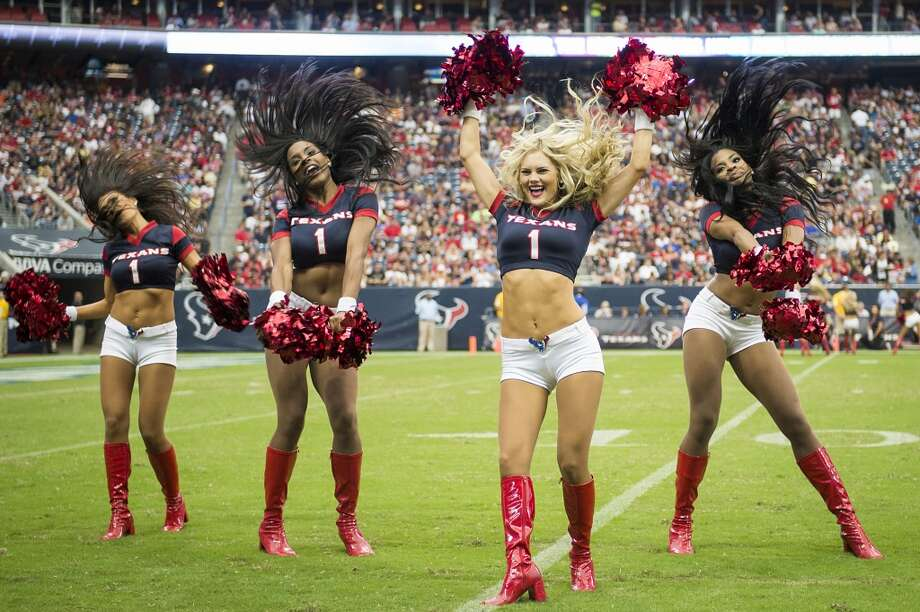 Texans cheerleaders perform during the second half. Photo: Smiley N. Pool, Houston Chronicle